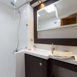 Helia 44 bathroom - Nautical Escape