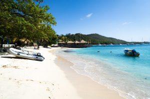 Dreamy white beaches Saint Vincent and the Grenadines - Nautical Escape